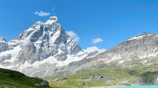 Trekking Cervinia – Le 5 escursioni più panoramiche ai piedi del Cervino